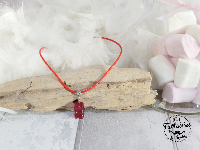 collier ours rouge