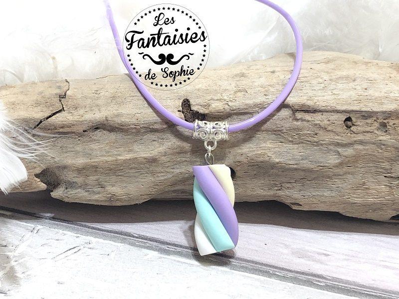 collier guimauve violet