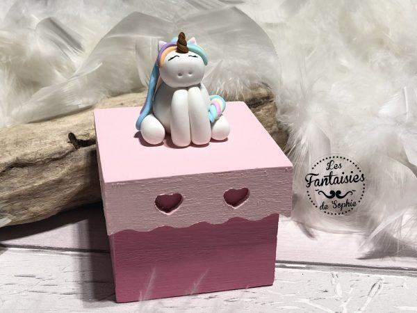 boite carré licorne
