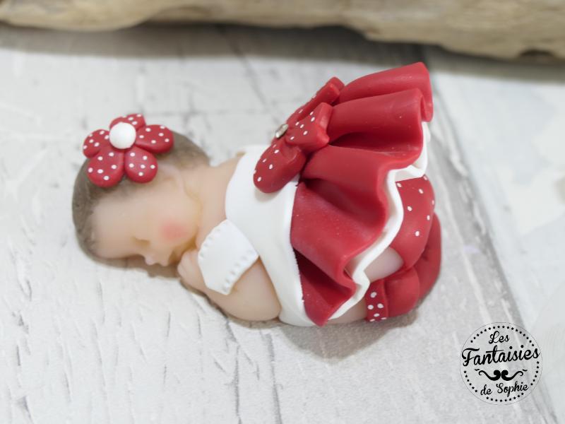 bebe fille rouge